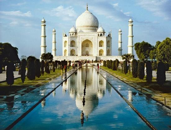 """Taj Mahal. Sebuah contoh kultur India """"autentik"""" atau ciptaan asing imperialisme Muslim?"""